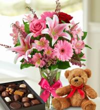 Valentine Surprise with bear and chocolate